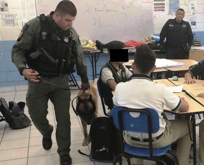 "Realizan ""Mochila Segura"" en secundaria de la Sánchez Taboada"
